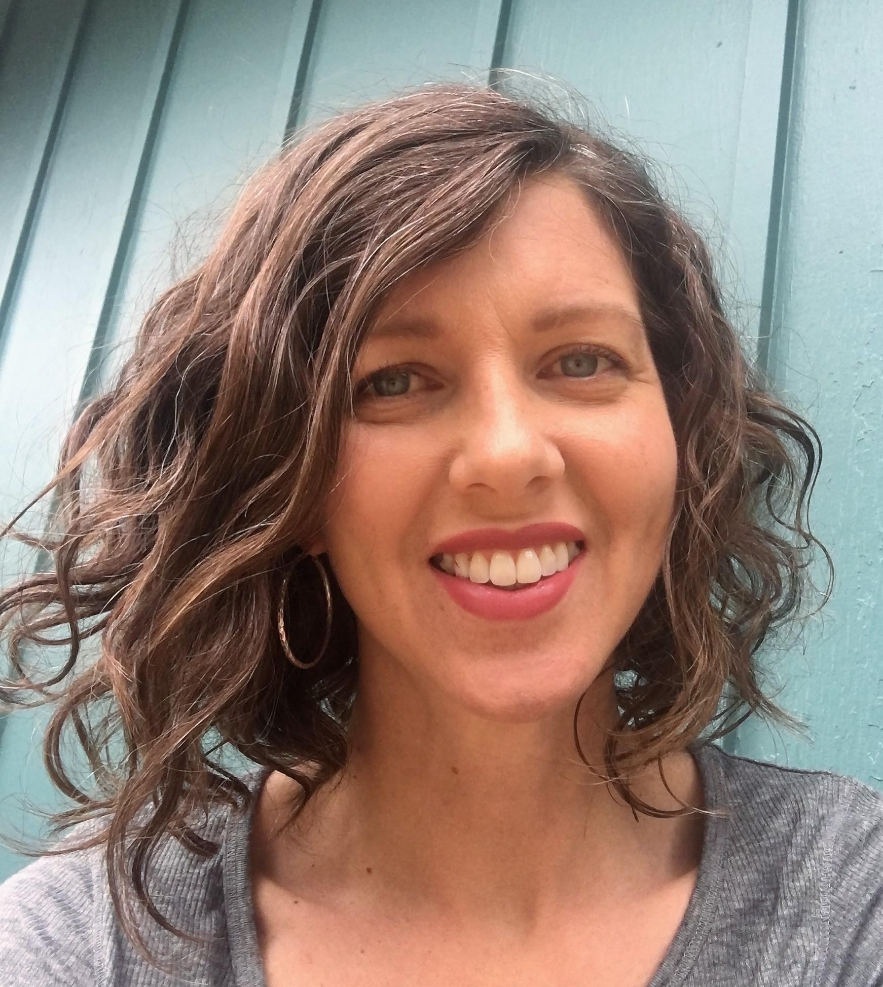 Christine Lowe Headshot